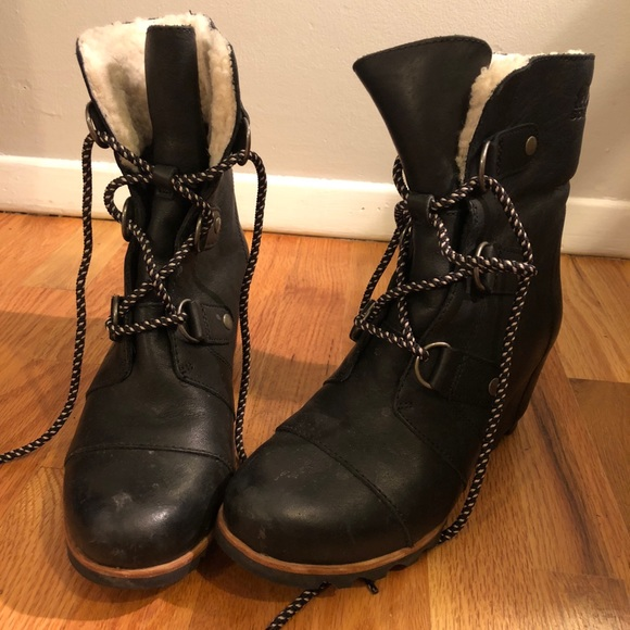 7bbffc075dd8 Sorel Joan Of Arctic Wedge Mid Shearling Boot. M 5b4224b26197452680e5b194